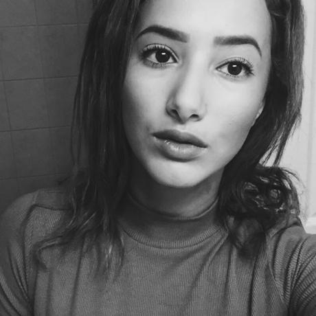 Lisa Zaher's avatar