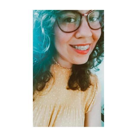 Elizabeth Villalejos  User Photo
